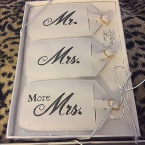 Me. And mrs. Passport covers and luggage tags nib